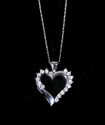 LADIES 10K WHITE GOLD AND DIAMOND HEART NECKLACE