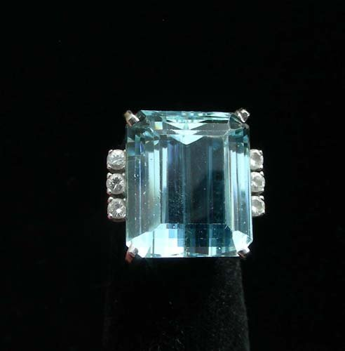 LADIES 14K WHITE GOLD, AQUAMARINE AND DIAMOND RING