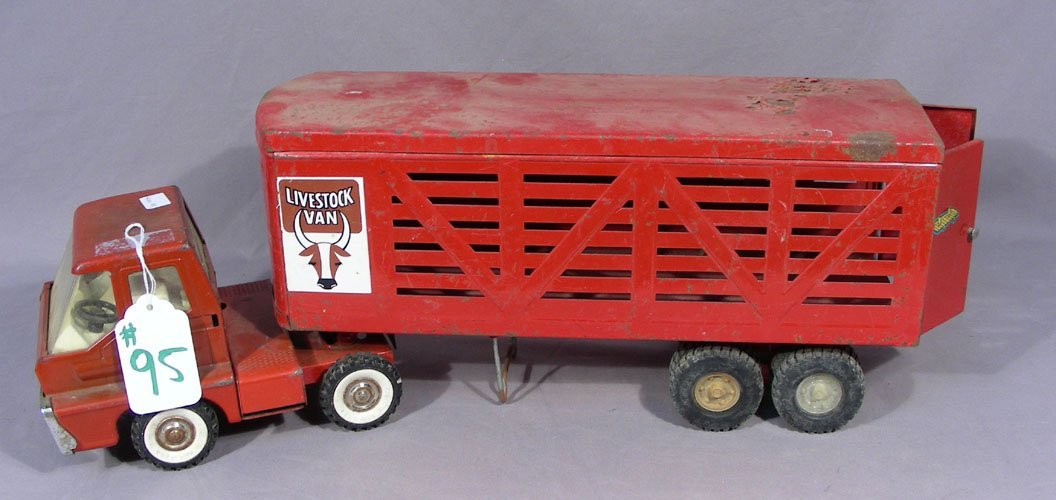 VINTAGE STRUCTO LIVE STOCK TRUCK WITH WAGON