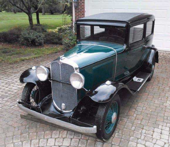 1931 PONTIAC 2 DOOR SEDAN