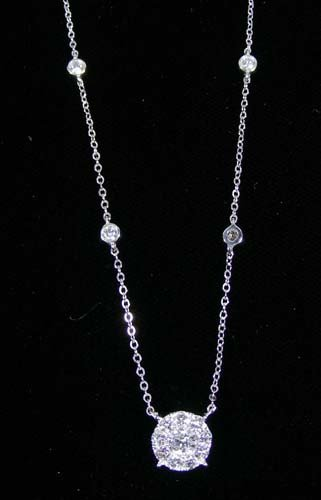 LADIES 14K WHITE GOLD AND DIAMOND NECKLACE