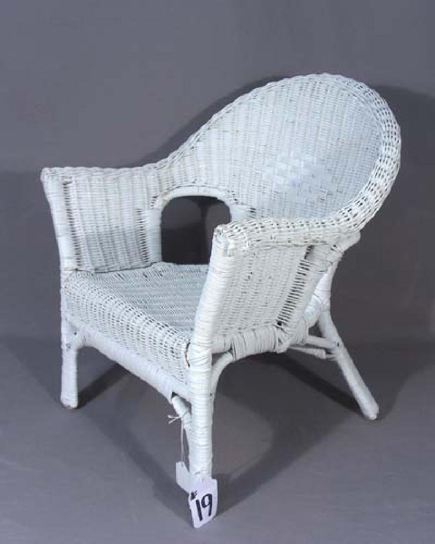 OLD CHILD'S WICKER CHAIR