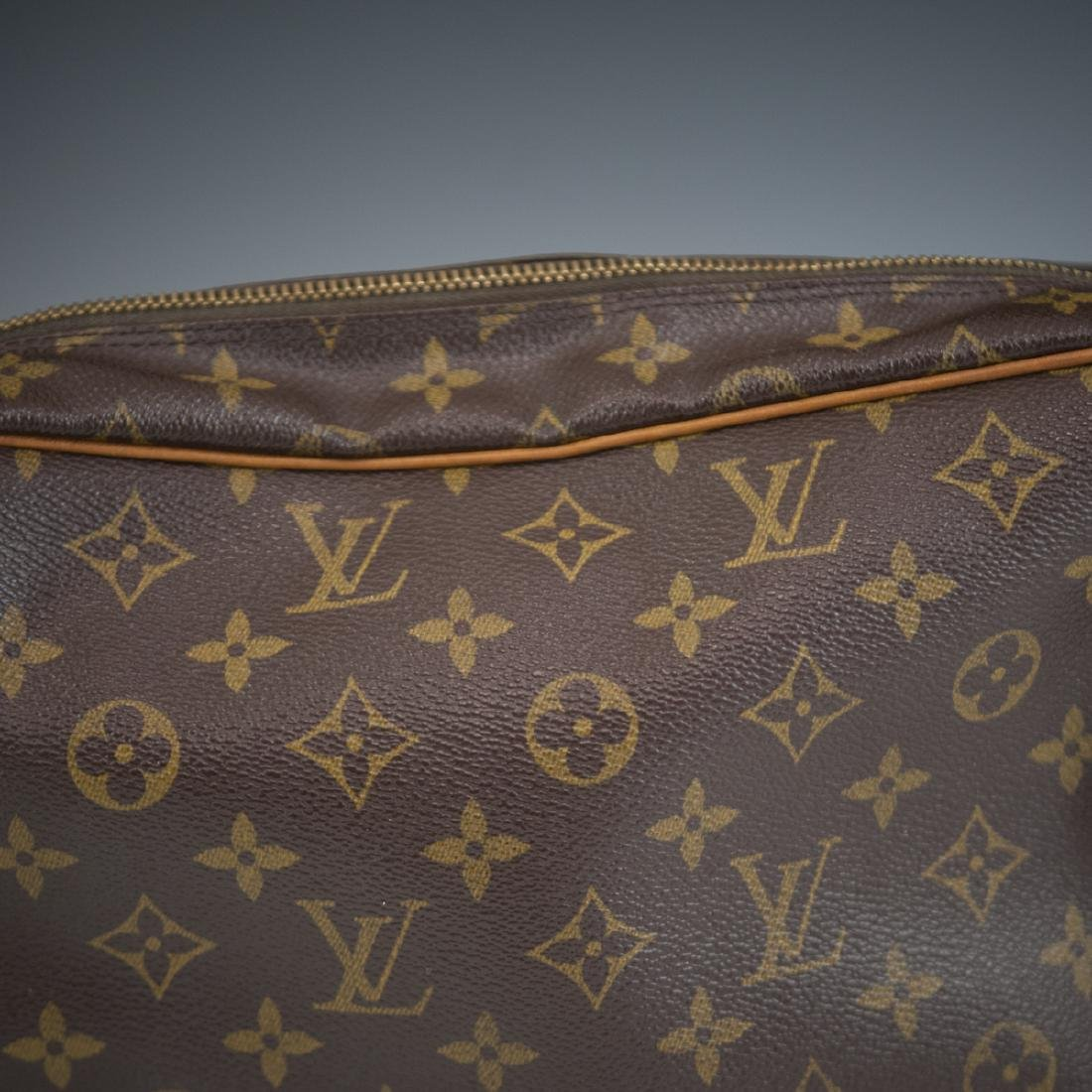 Louis Vuitton Canvas Nile Shoulder Bag - 4
