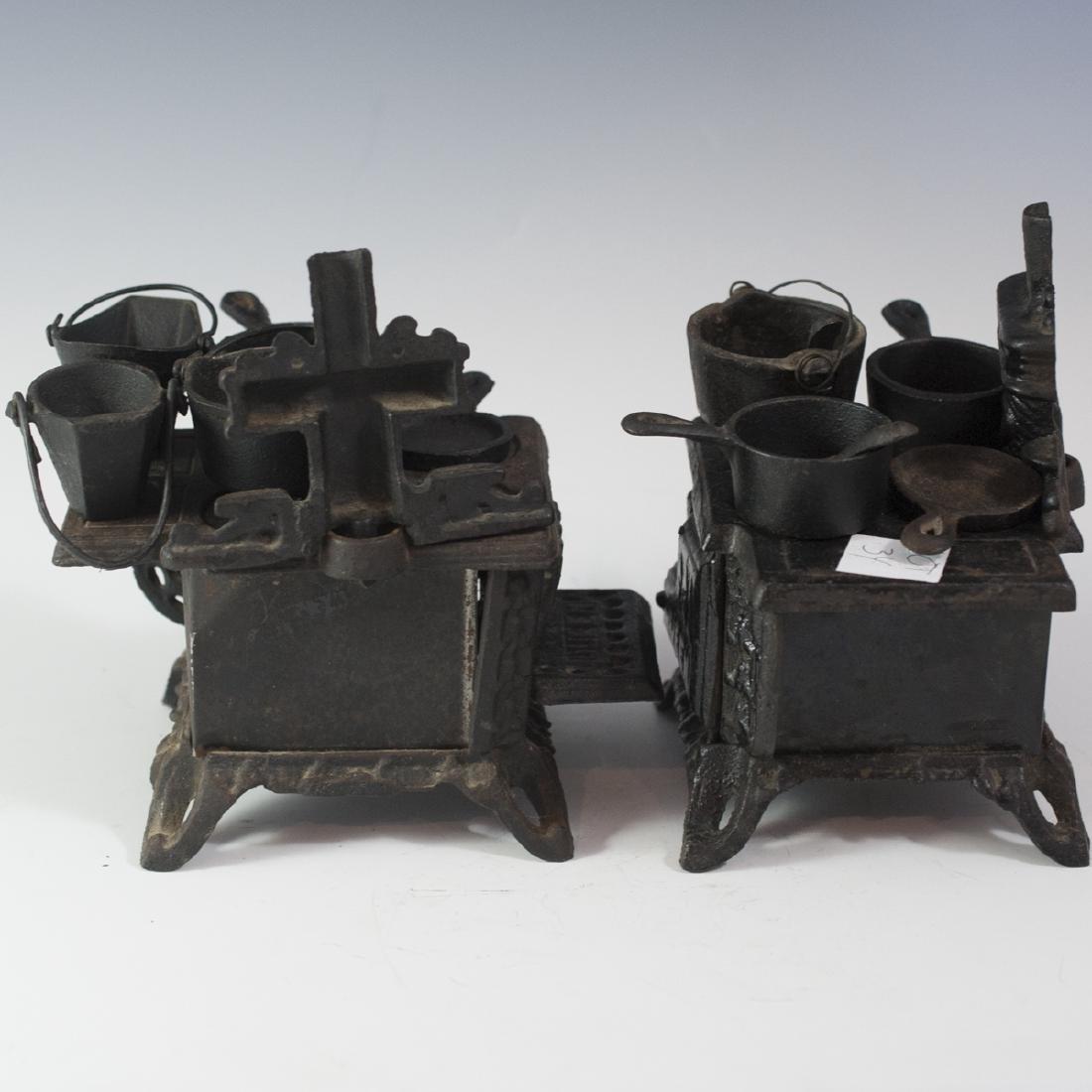 Pair of Queen Cast Iron Miniature Salesman Stoves - 5
