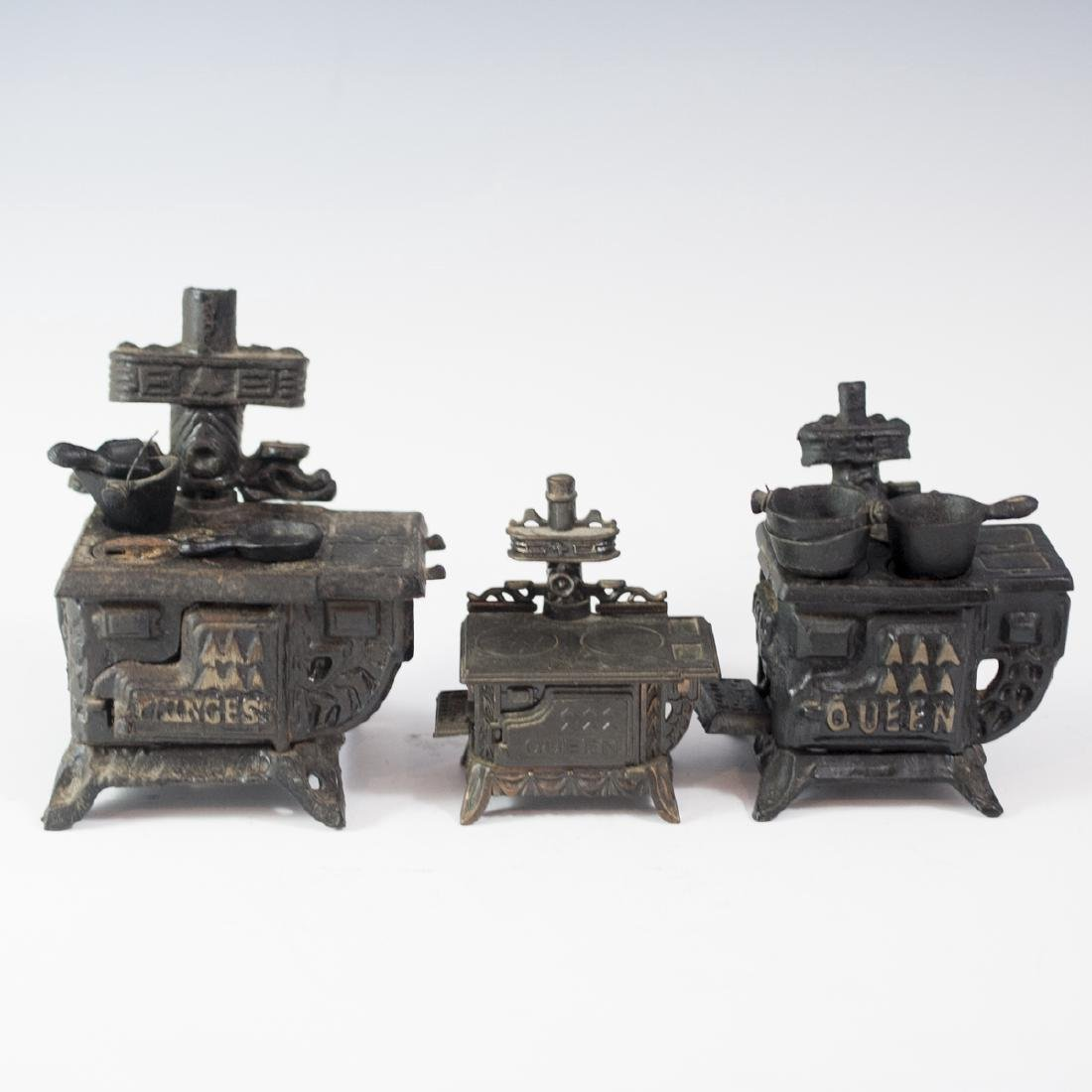 Queen Cast Iron Miniature Salesman Stoves