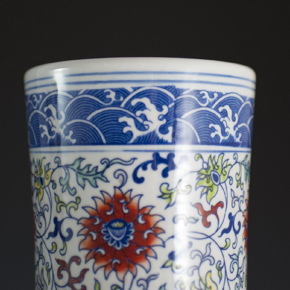 Large Chinese Wucai Tianquiping Porcelain Vases - 6