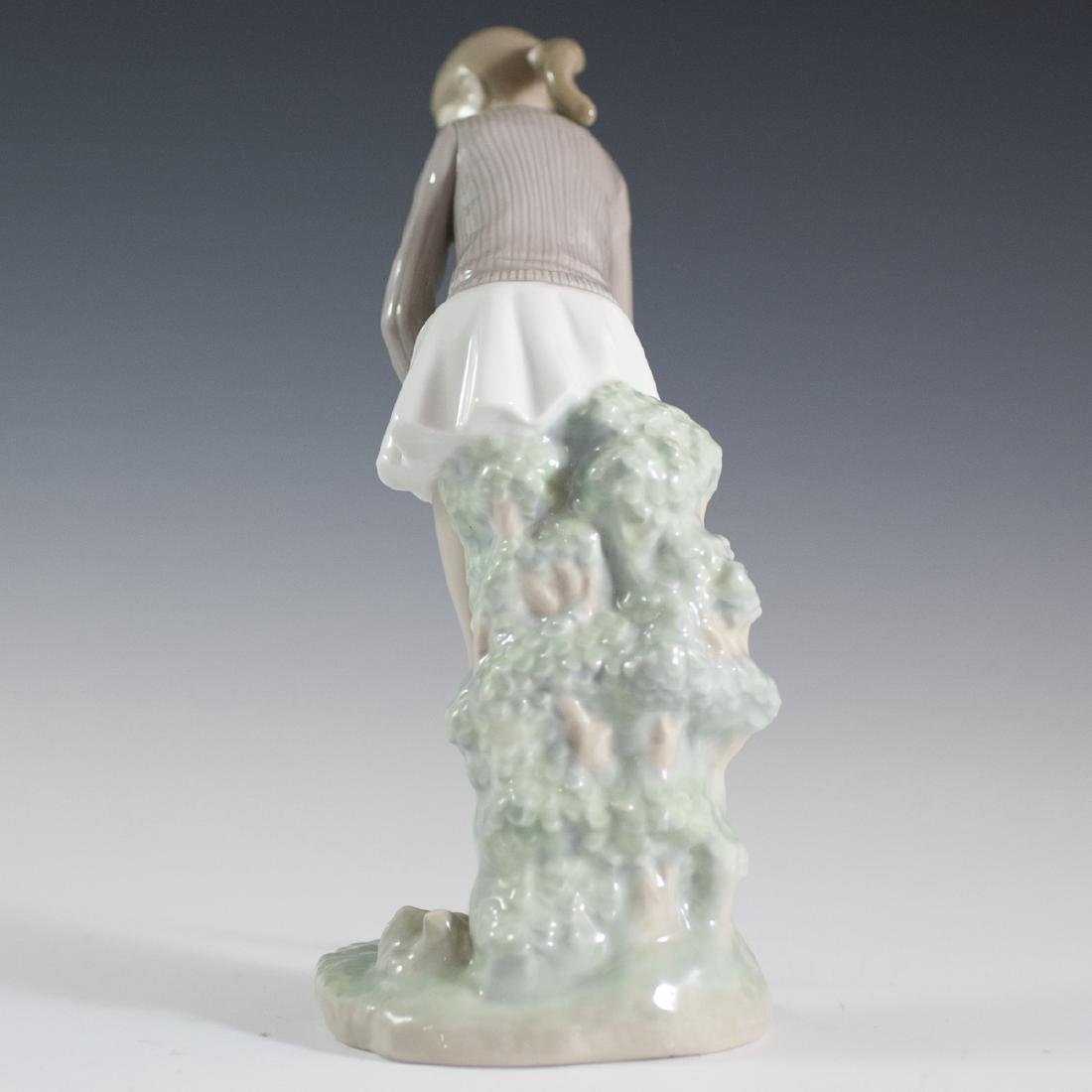 "Lladro Porcelain ""Golf Player"" (Woman) Figurine - 2"