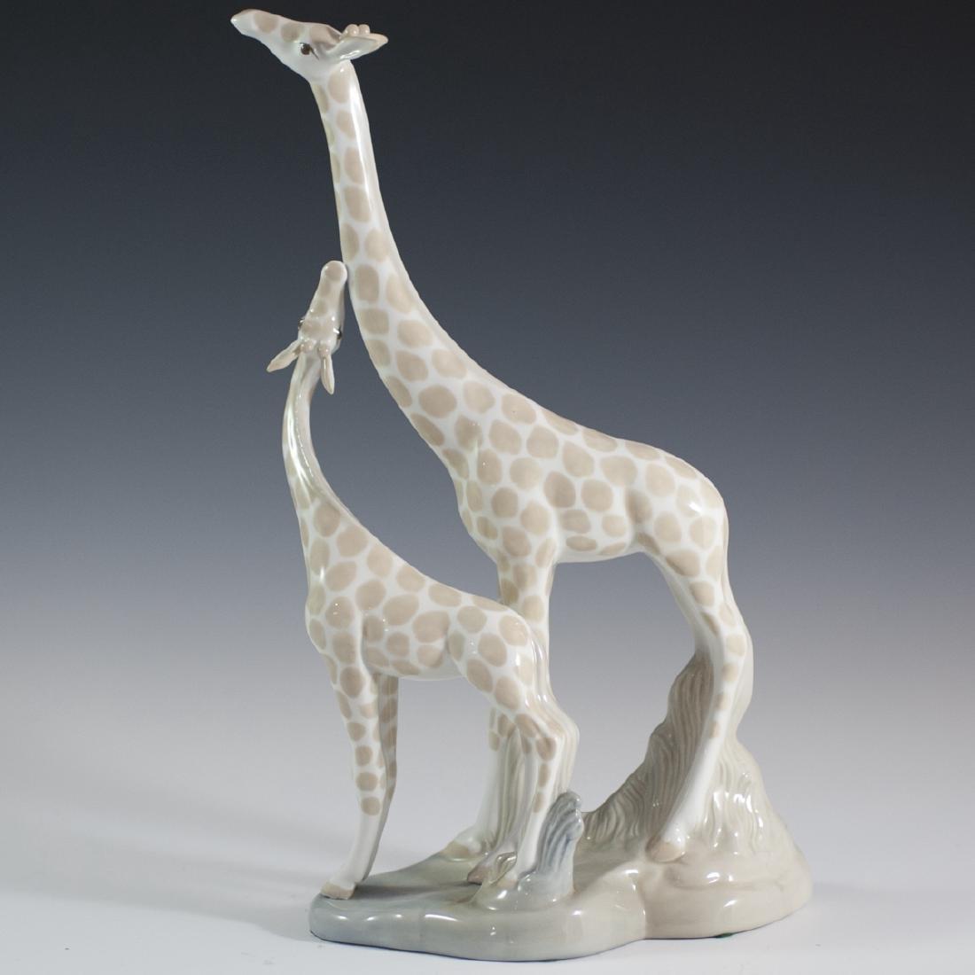 Miguel Requena Spanish Porcelain Figurine - 2