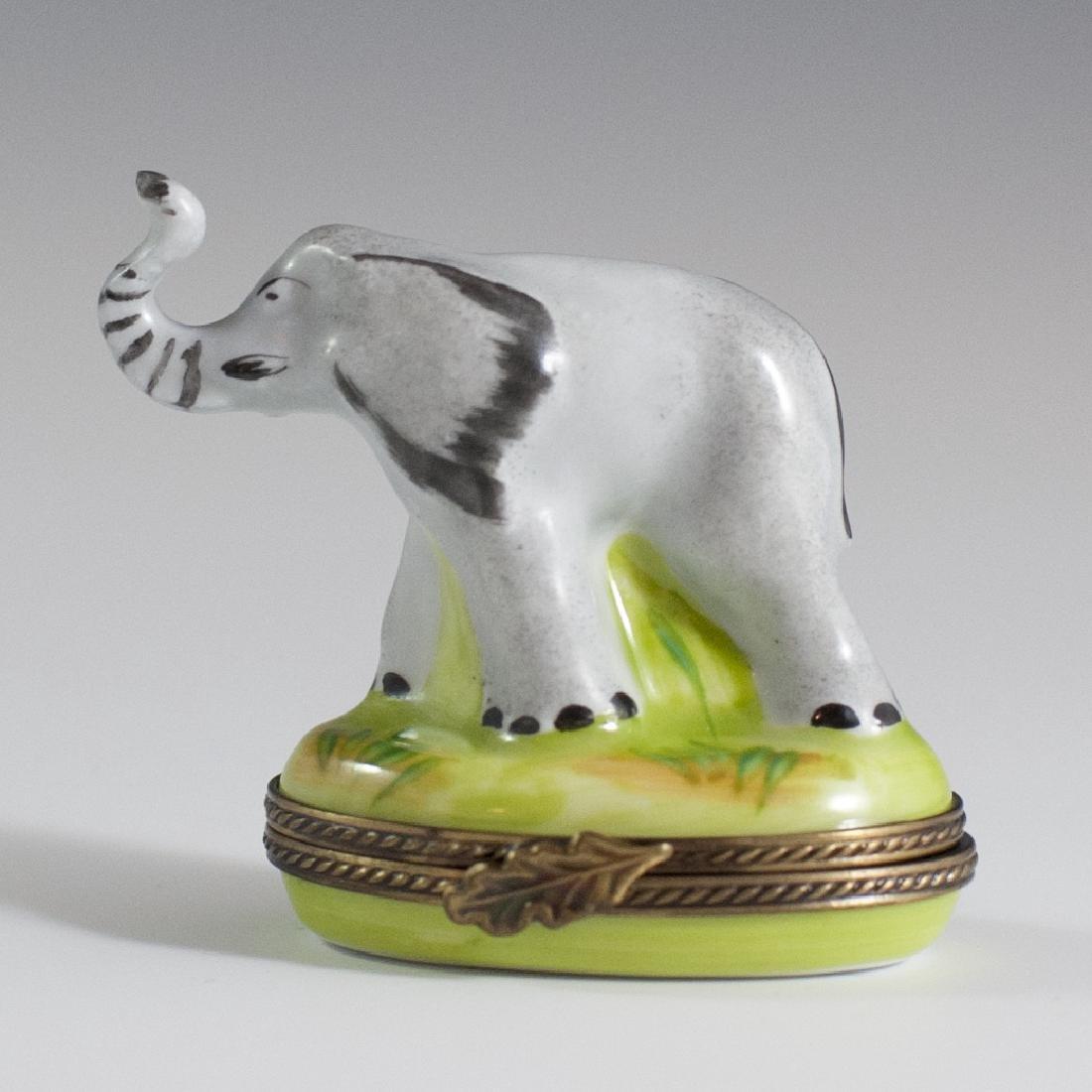 Eximious Limoges Porcelain Trinket Box