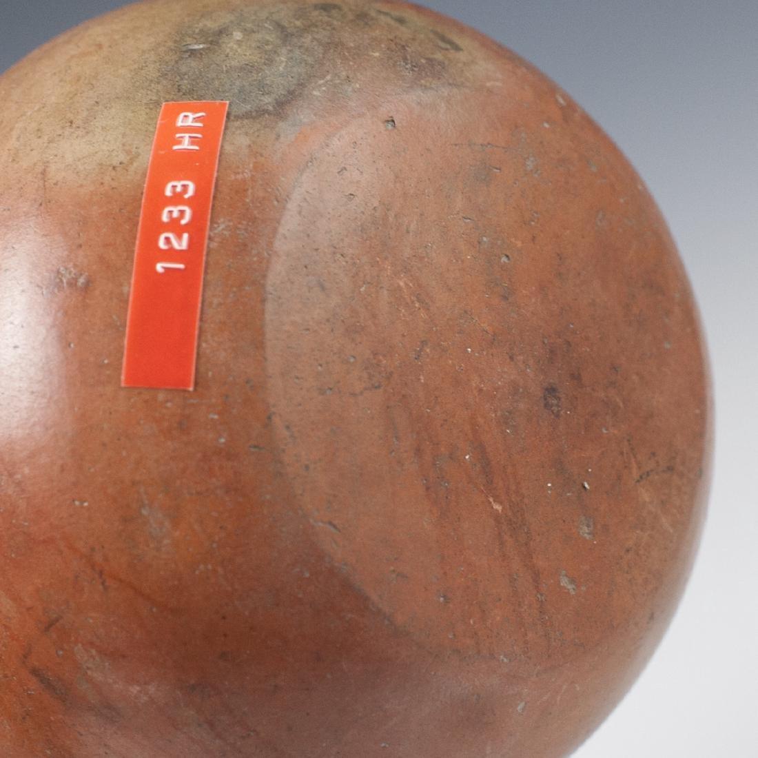 Pre-Columbian Mochica Earthenware Vessel - 4