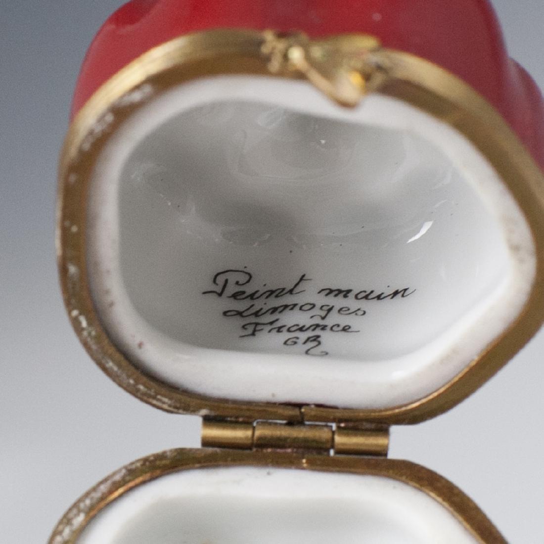 Gerard Ribierre Limoges Porcelain Pillbox - 3