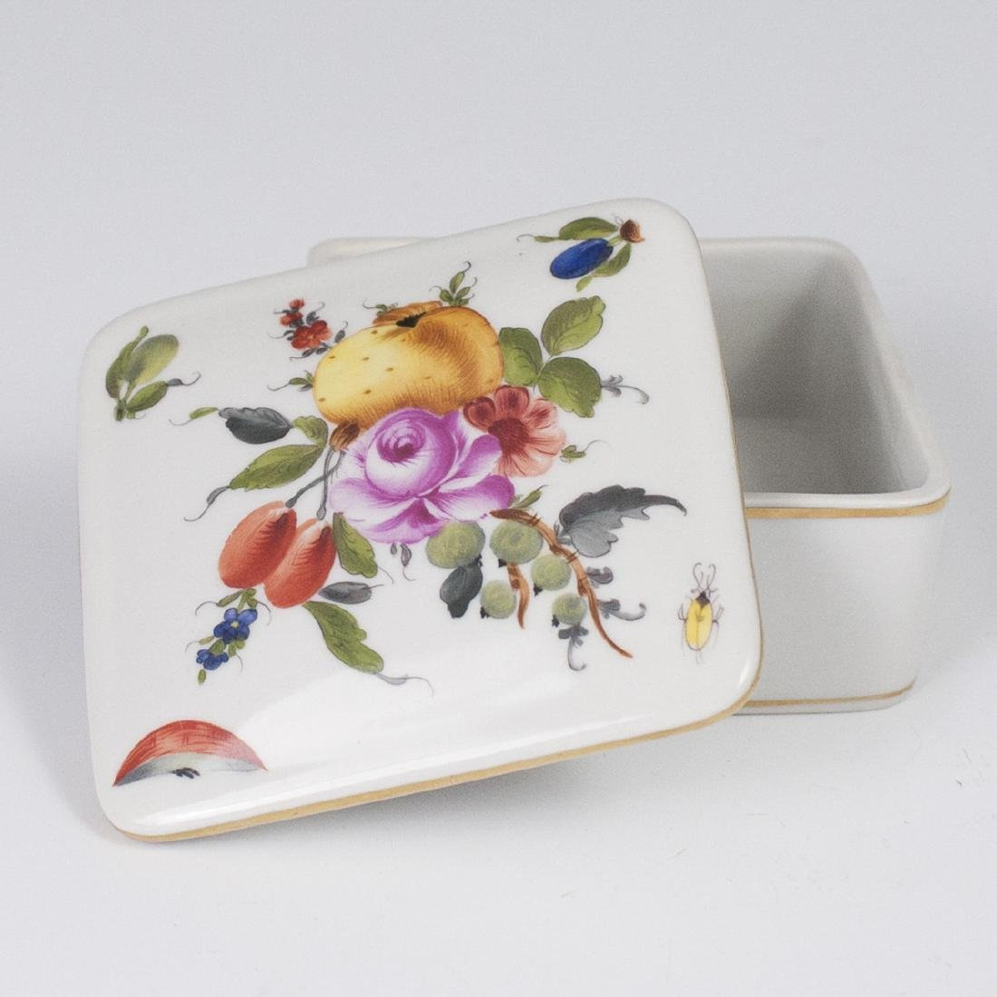 "Herend Porcelain ""Fruits & Flowers"" Box"