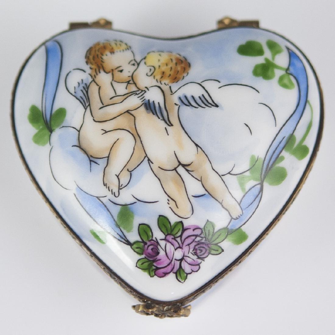 La Gloriette Porcelain Pill Box