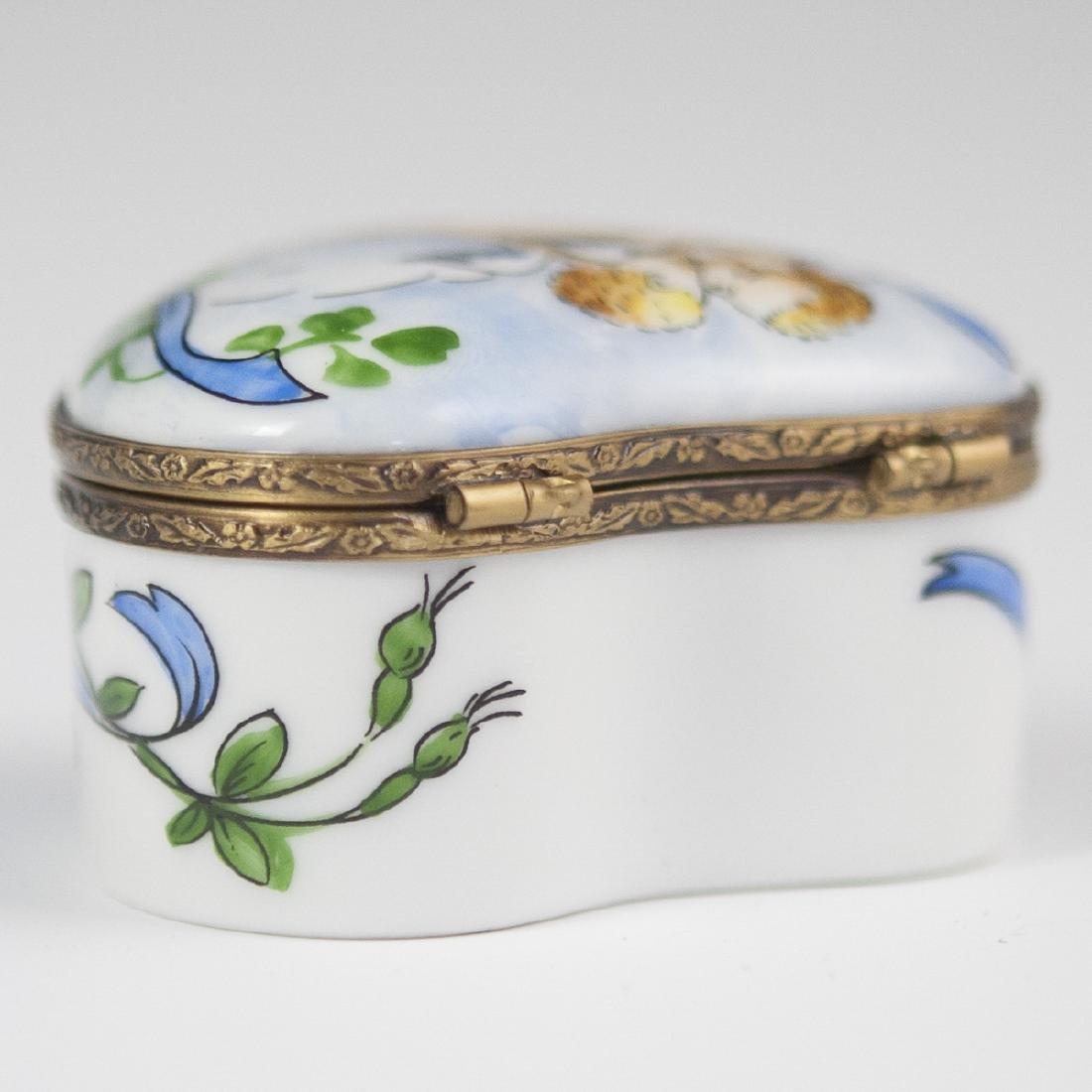 La Gloriette Porcelain Pill Box - 2