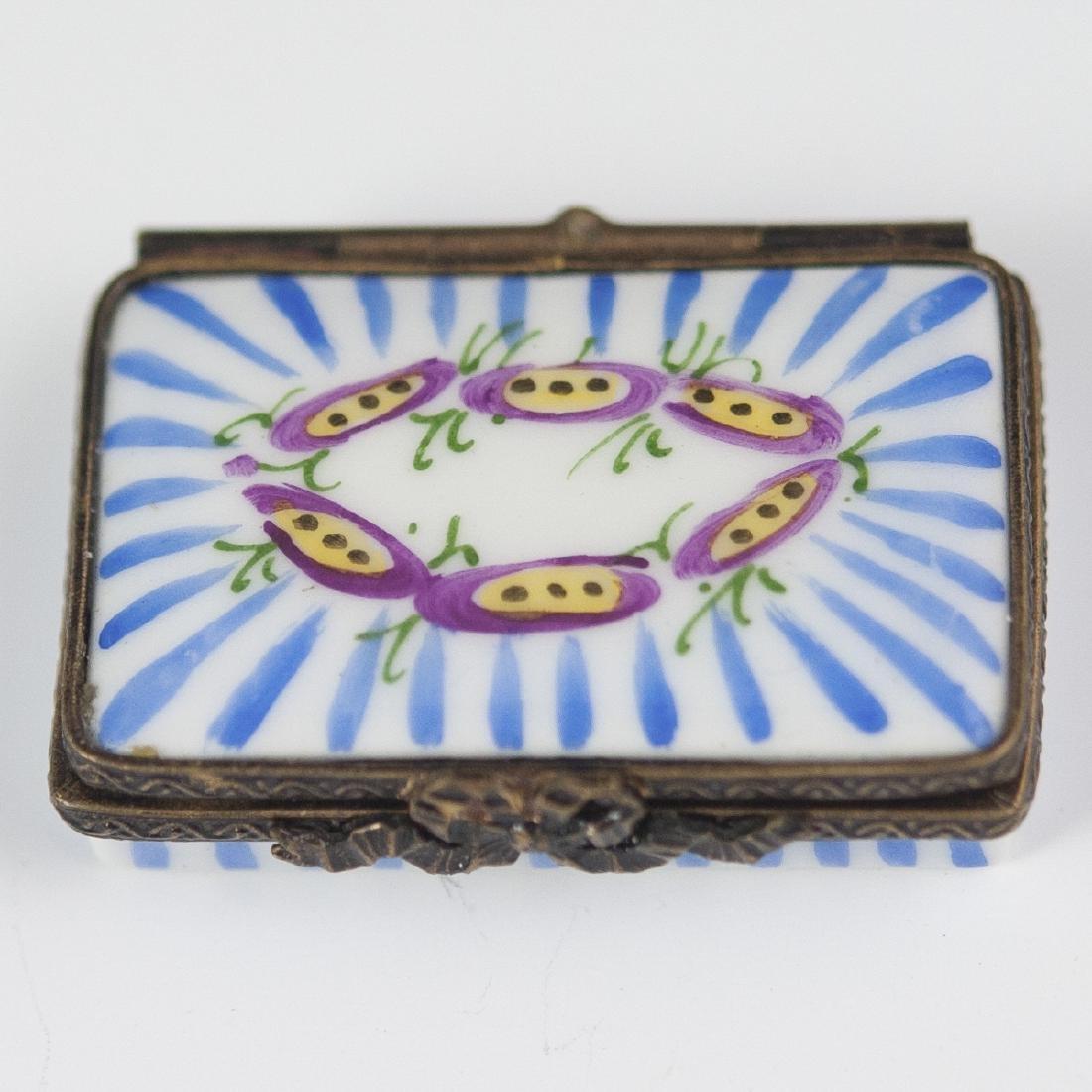 Eximious Limoges Porcelain Pill Box