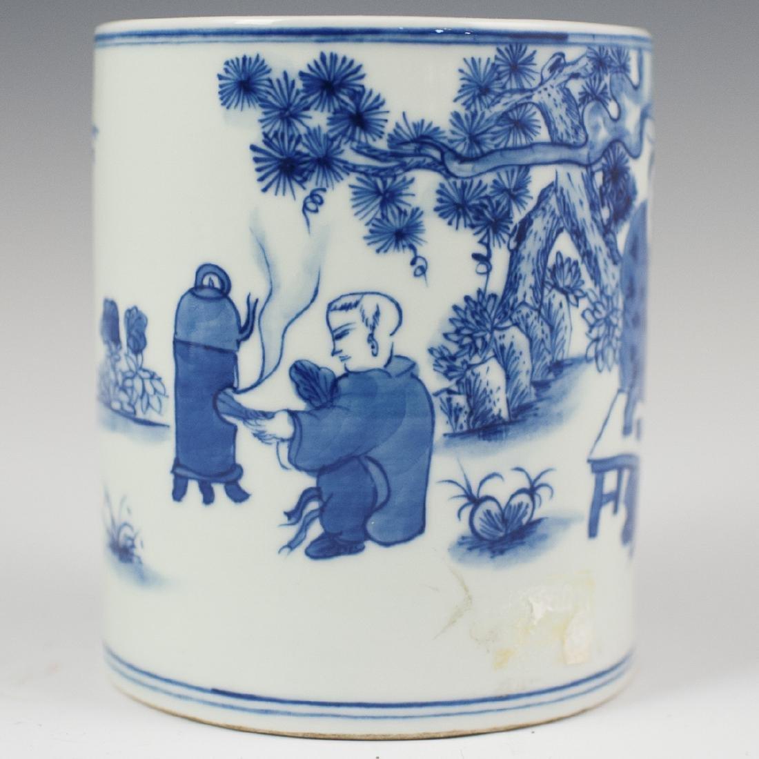 Chinese Porcelain Blue & White Brush Pot - 2