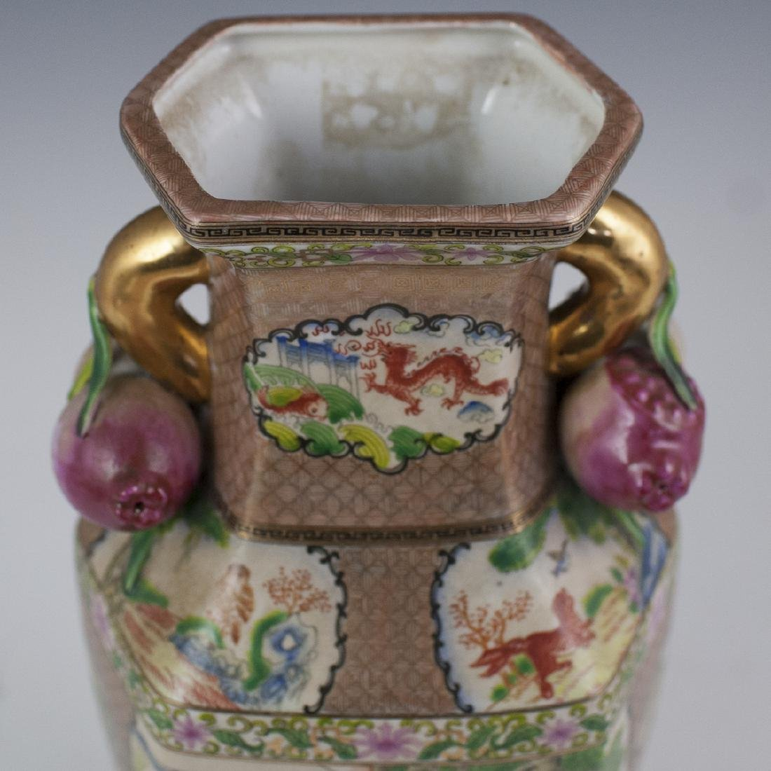 Chinese Rose Medallion Porcelain Vases - 9