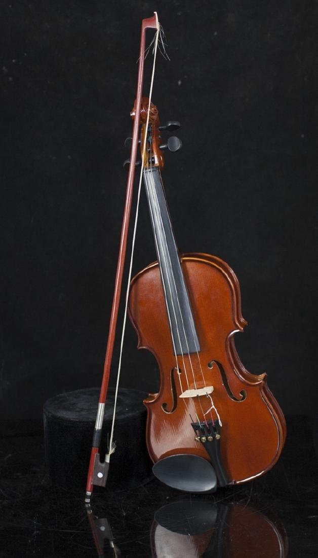 Palatino Wood Violin - 3
