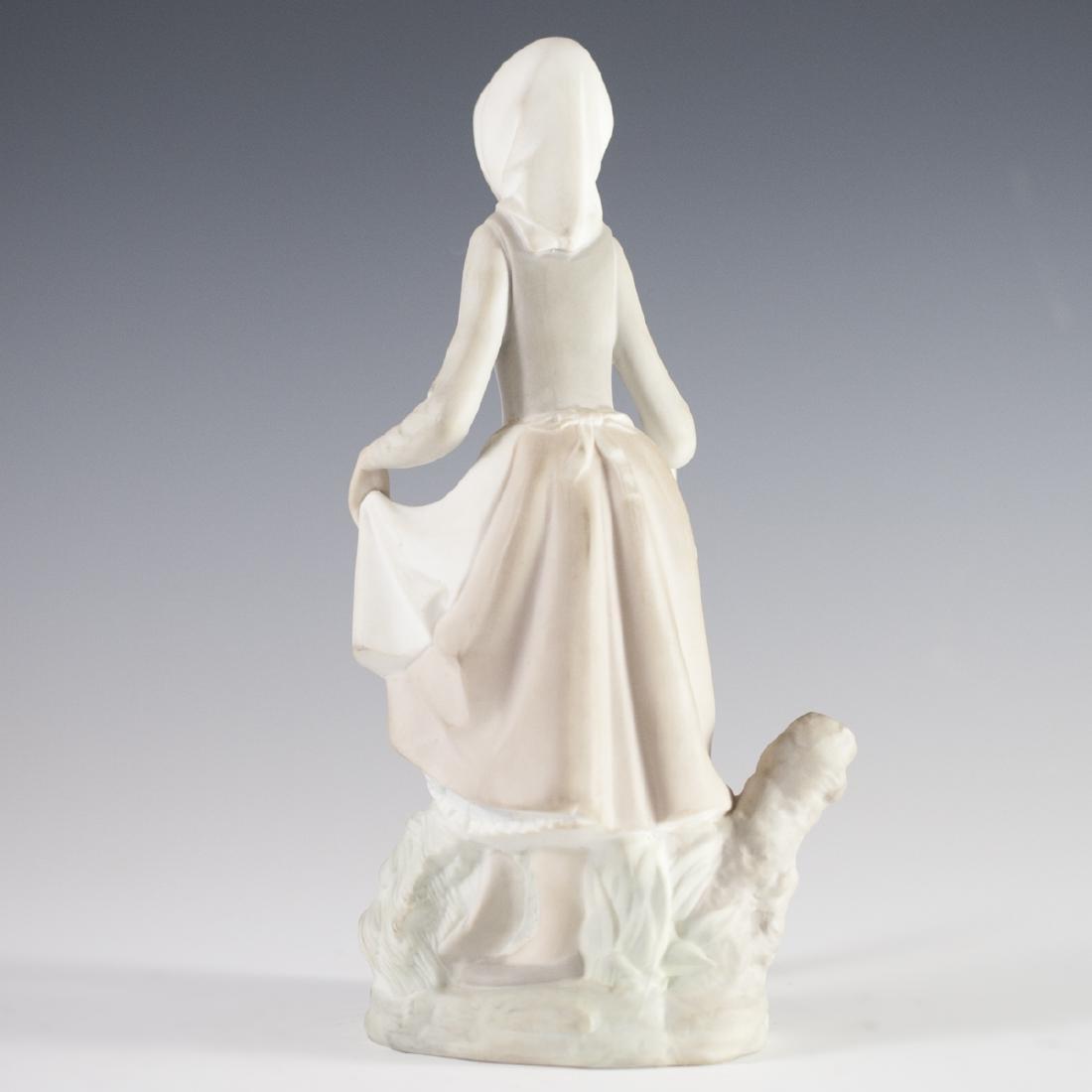 Lladro Porcelain Figurine - 4