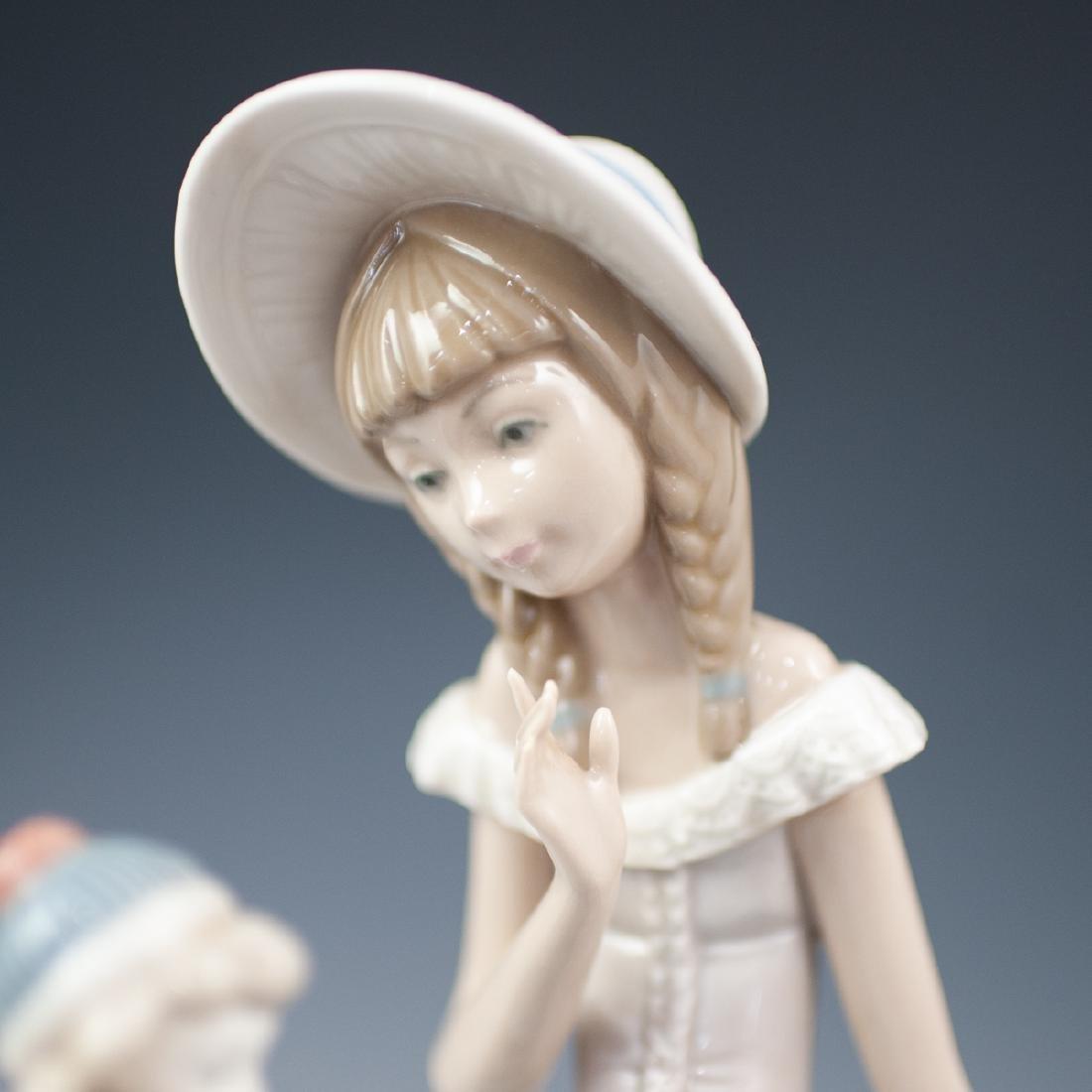 Pair Of Lladro Porcelain Figurines - 7