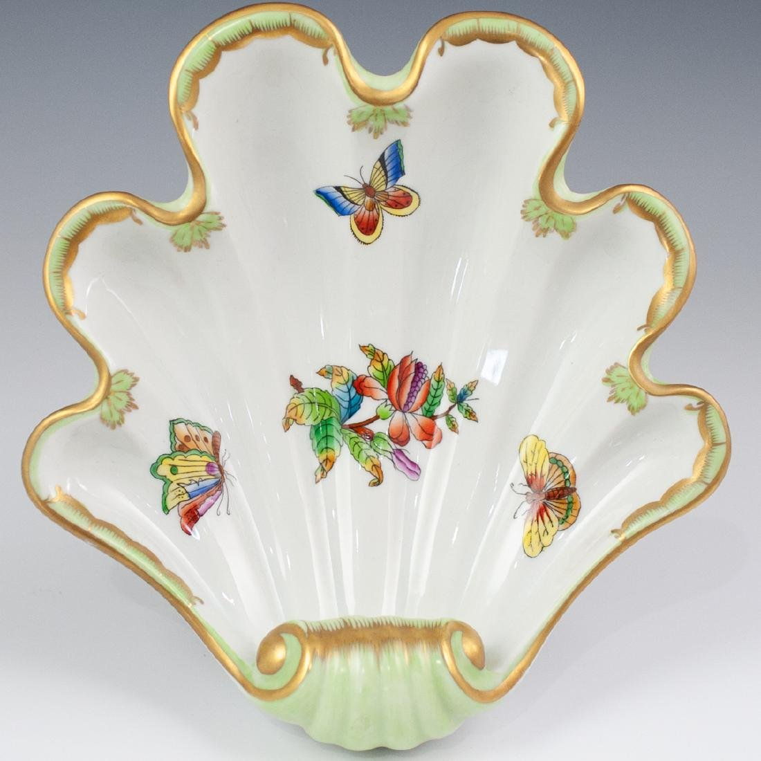 "Herend Porcelain ""Queen Victoria"" Shell Dish"
