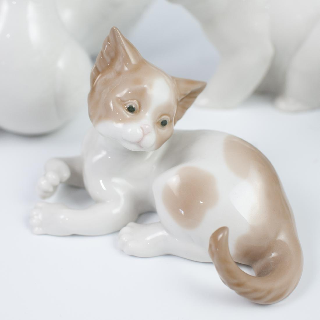 (4) Vintage Porcelain Lladro Figurines - 3