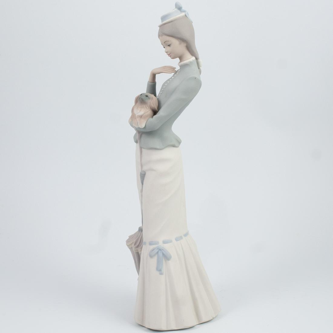 Lladro Porcelain Figurine - 3