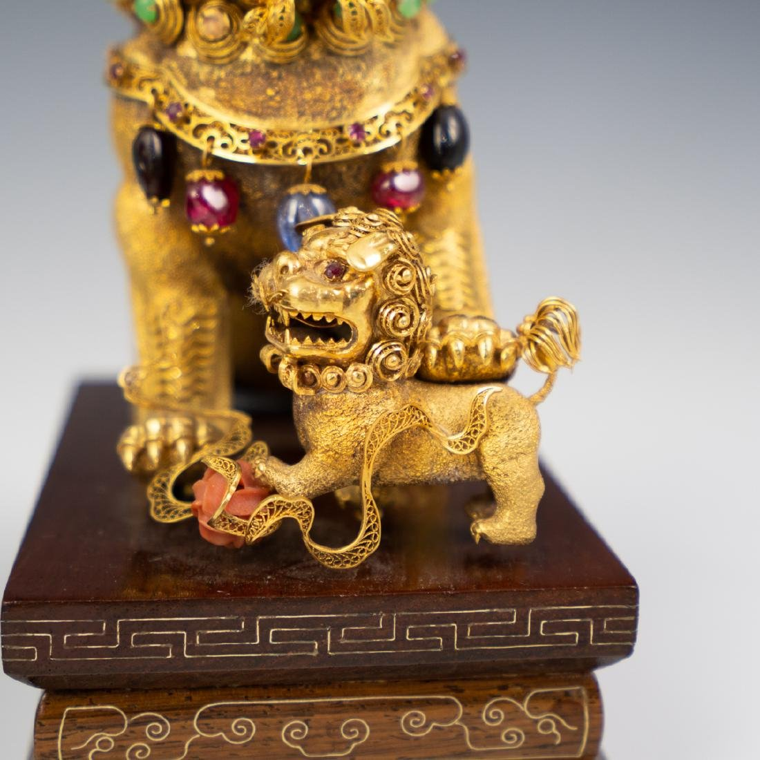 14K Solid Gold and Precious Stone Foo Dog - 4