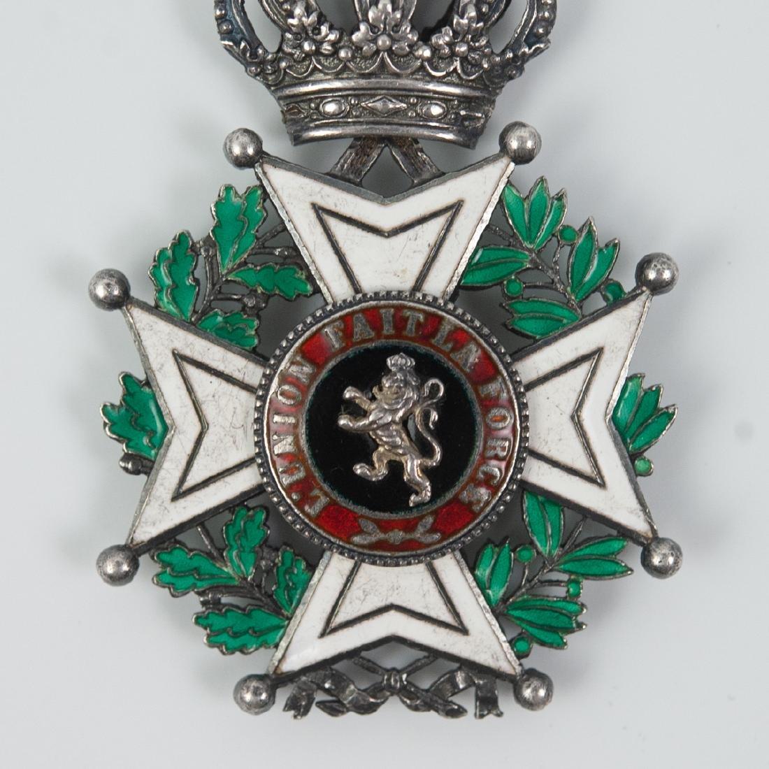 """Belgian """"L'Union Fait La Force"""" Enameled Medal - 4"""