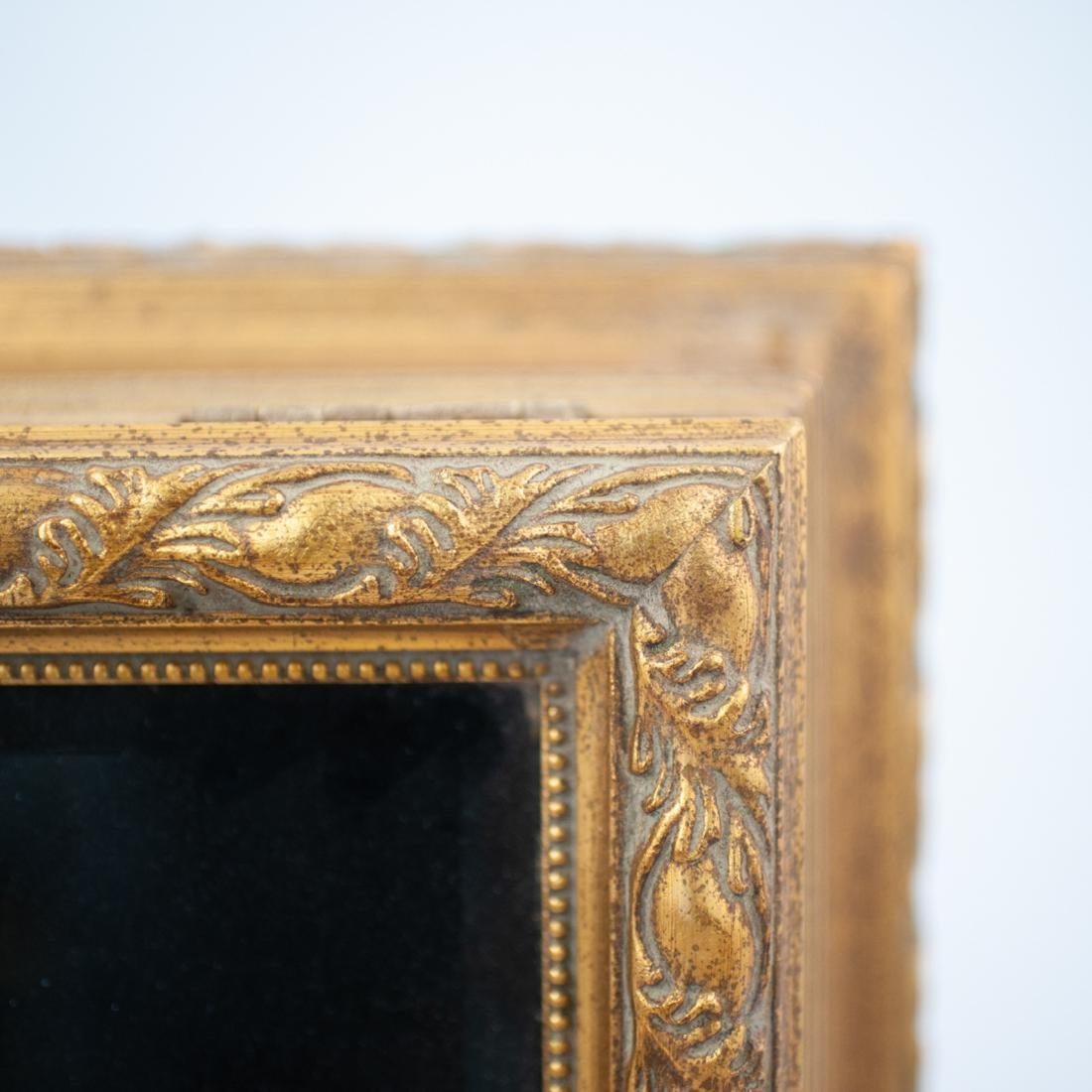 Carved Giltwood and Mirror Box - 2