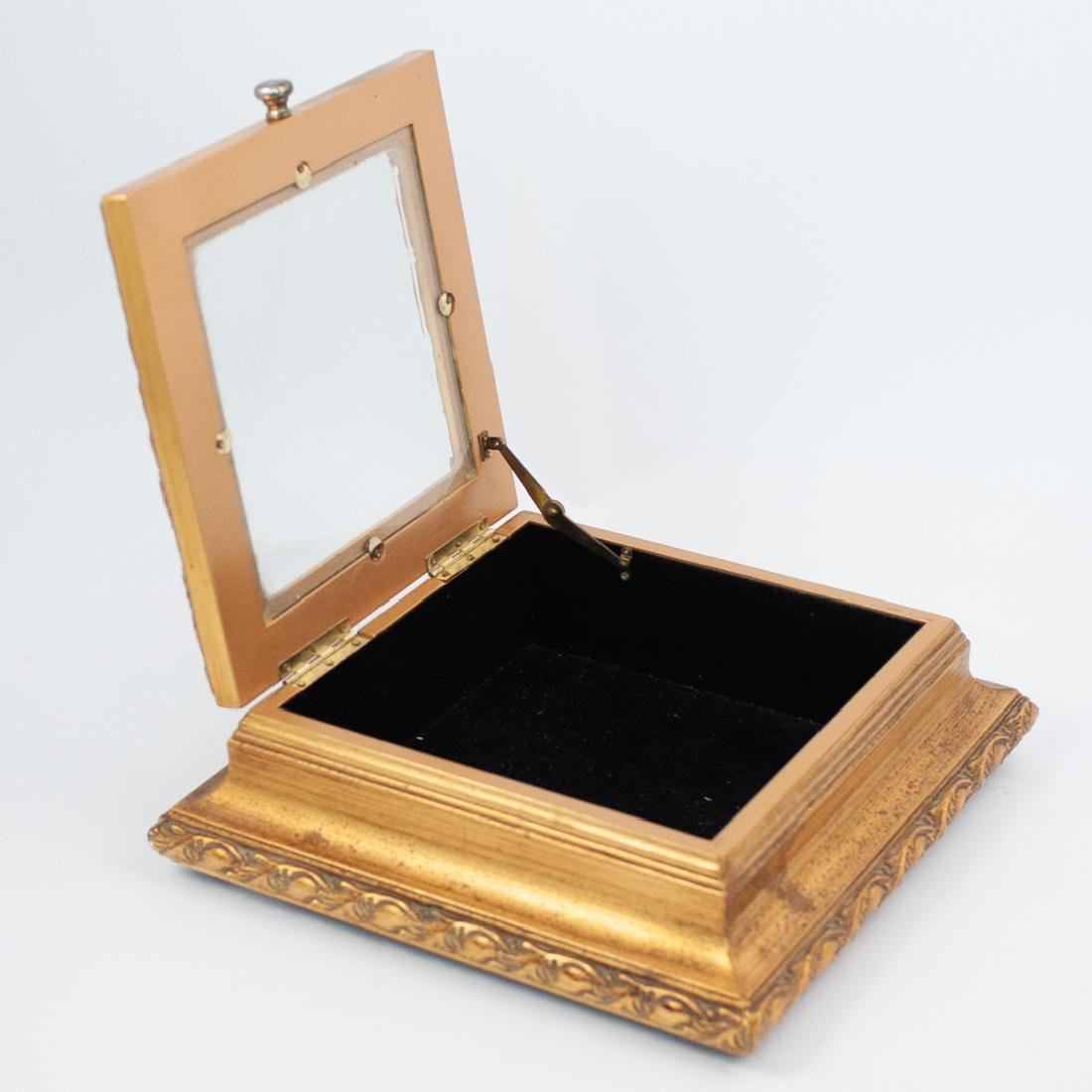 Carved Giltwood and Mirror Box - 4