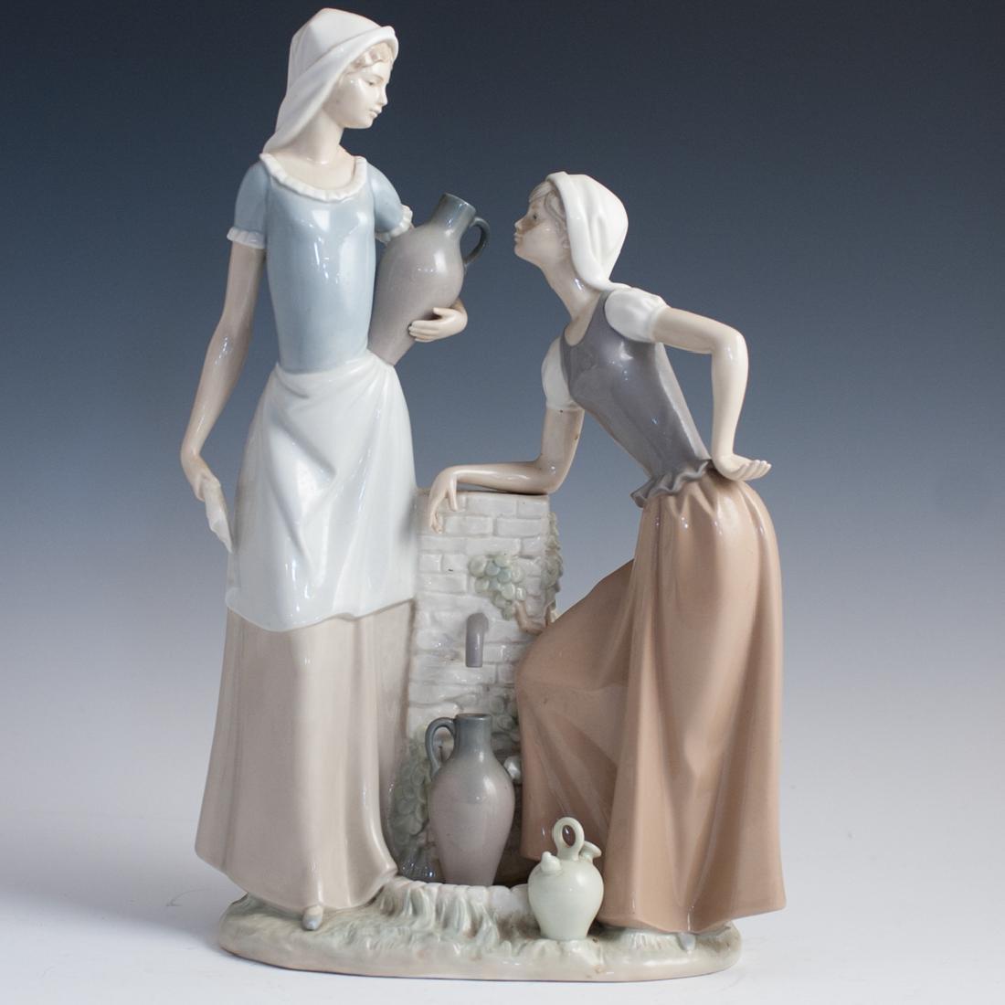Nao Lladro Porcelain Figurine