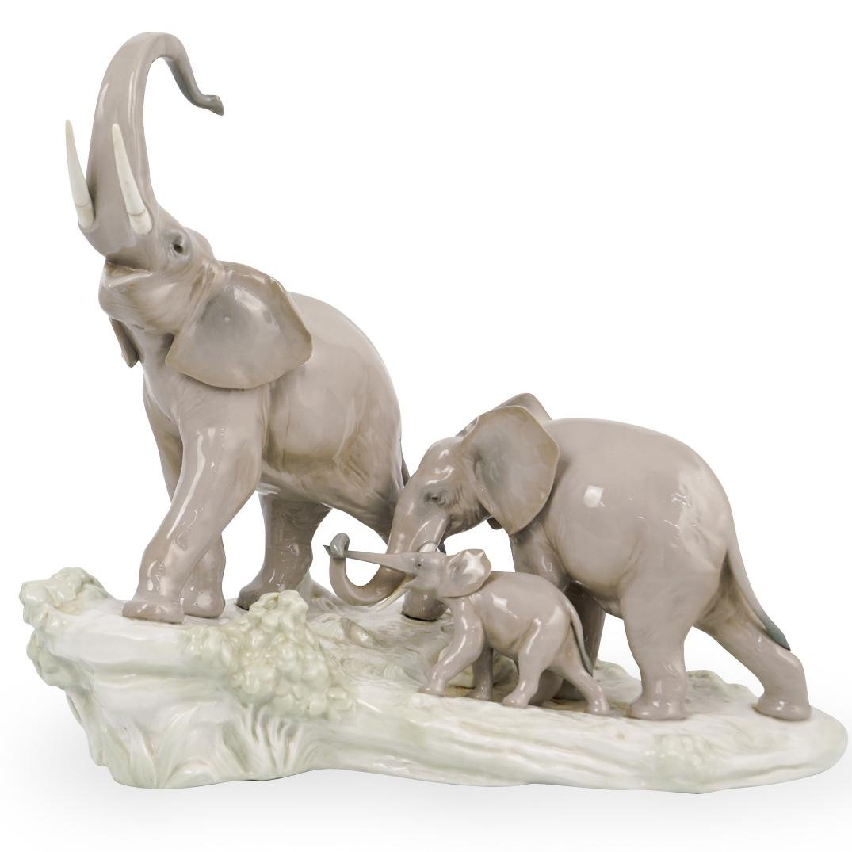 "Lladro ""Elephant Family"" Porcelain"