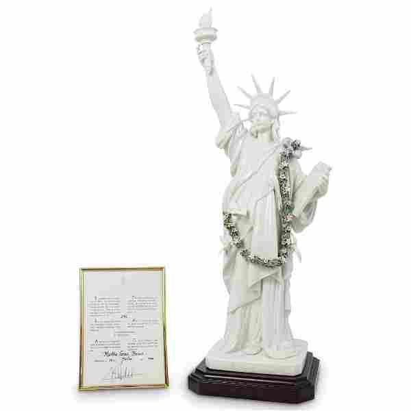 "Lladro "" Statue of Liberty"" Porcelain Figurine #7563"