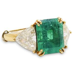 18k Gold Colombian Emerald and Diamond Ring