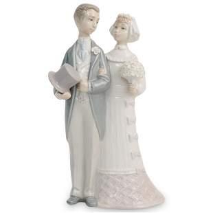 Lladro Porcelain Figurine Bride and Groom