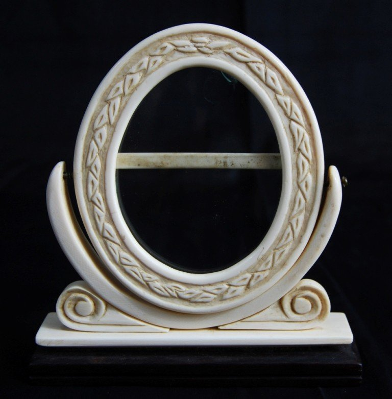 6: Ivory frame