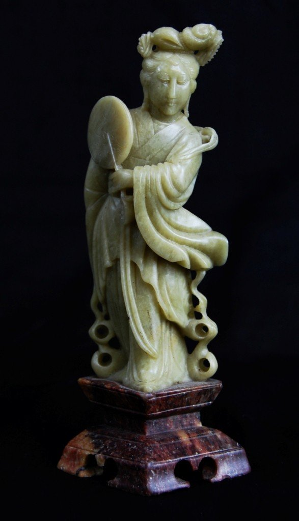18: Chinese carved soapstone figurine