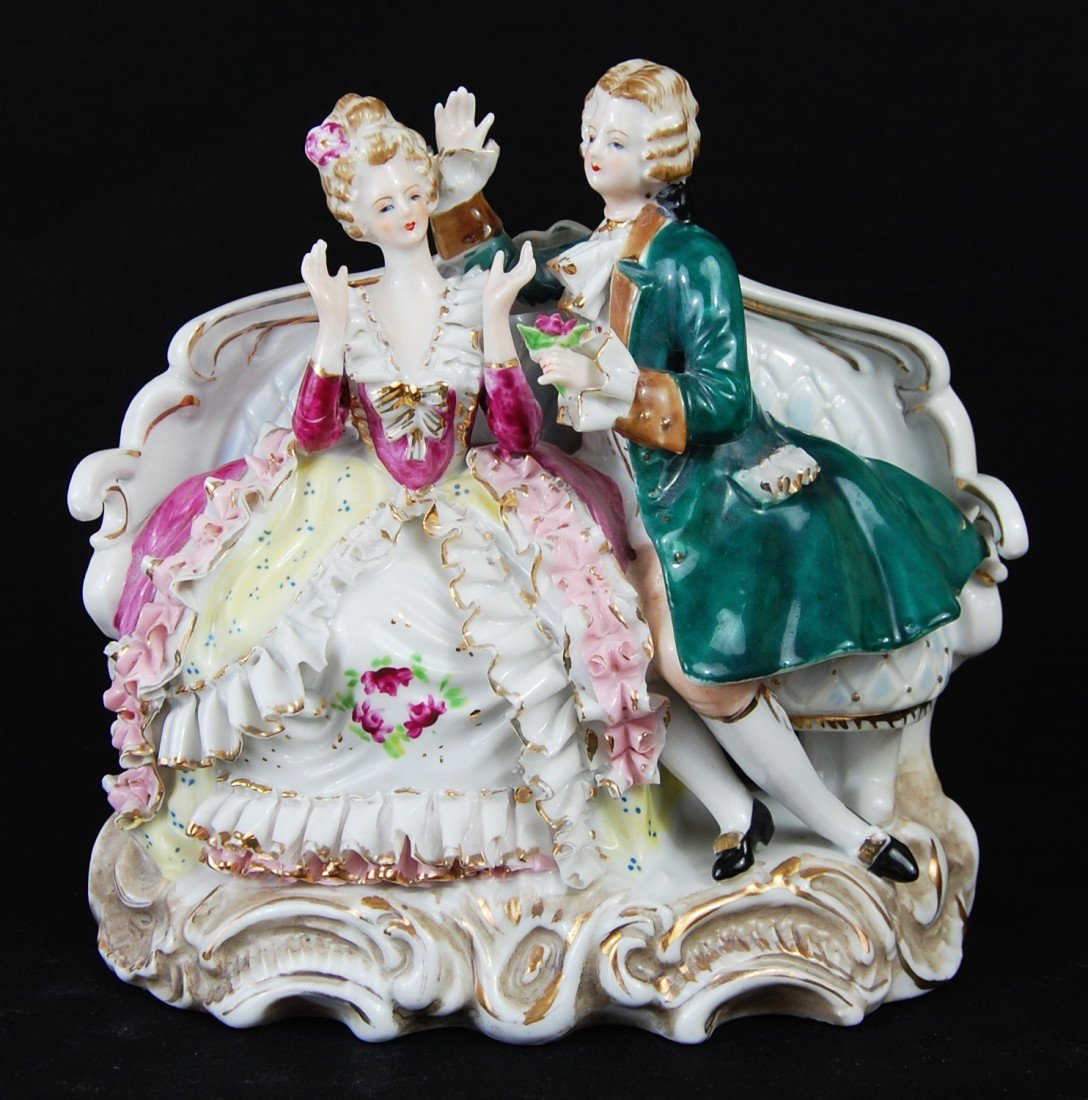 81: Victorian Porcelain Courting Lady & Man Figurine