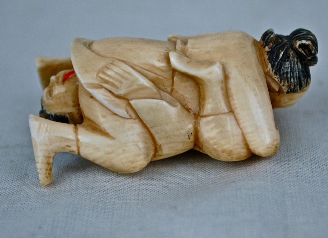 144: Antique chinese erotic ivory carving of a lesbian - 2