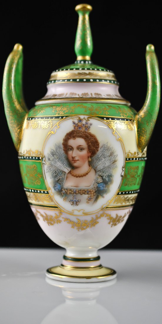 7: Royal Vienna Small hand painted urn. Full Beehive ma