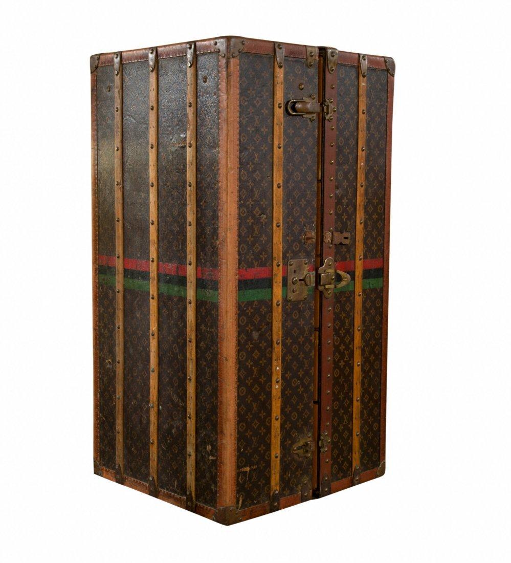 108: Original vintage Louis Vuitton wardrobe trunk. Com