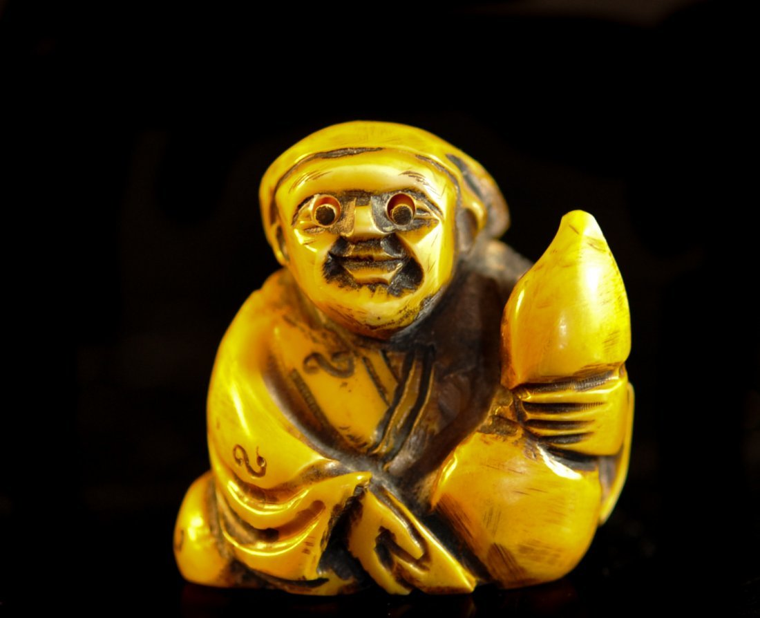 19th Cent. Chinese hand carved ivory mechanical netsuke