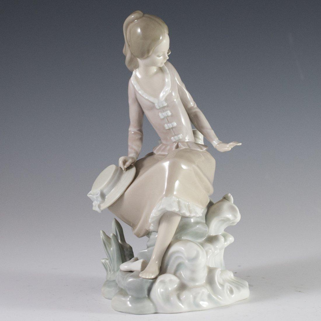 "Lladro Porcelain ""Girl at the Seaside"""