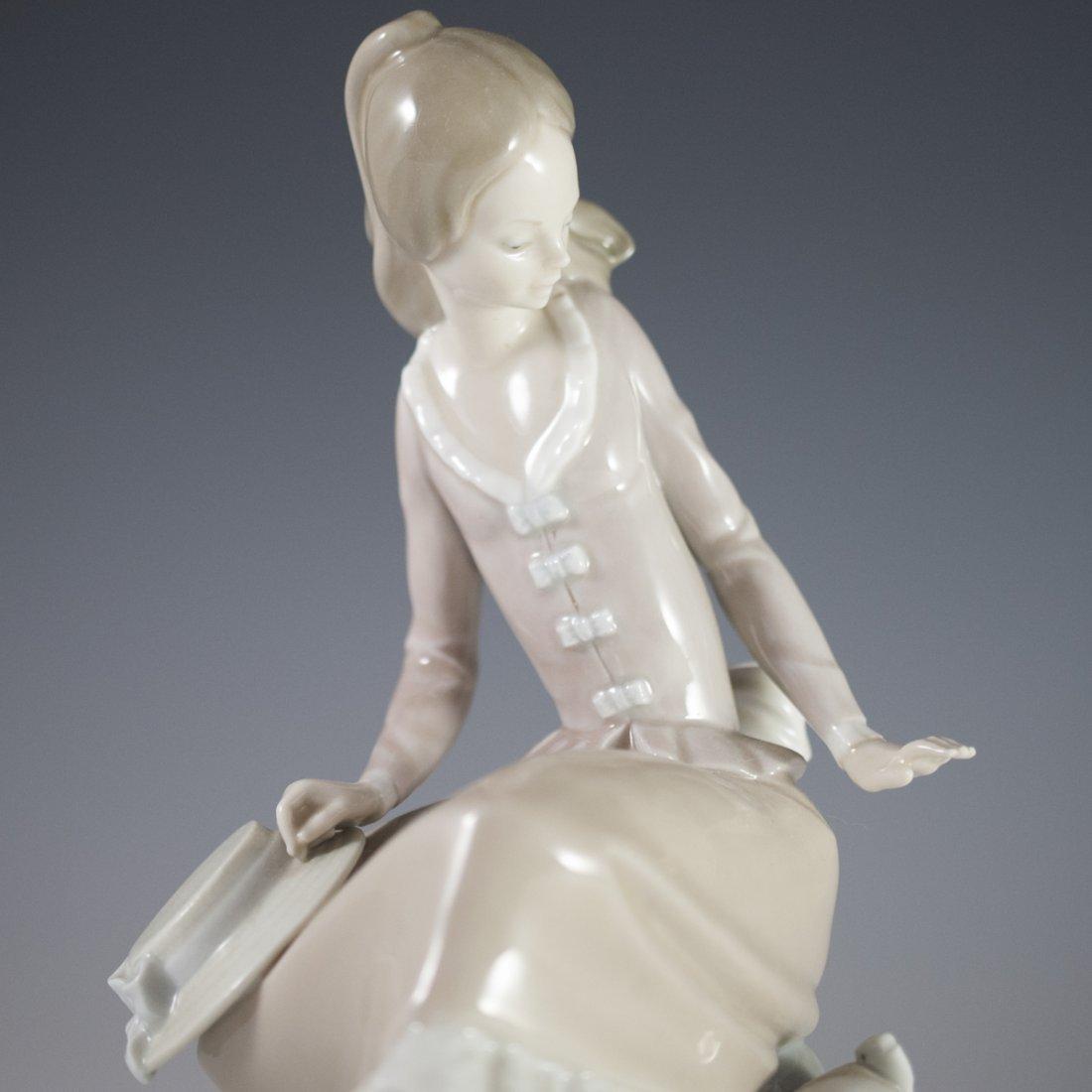 "Lladro Porcelain ""Girl at the Seaside"" - 2"