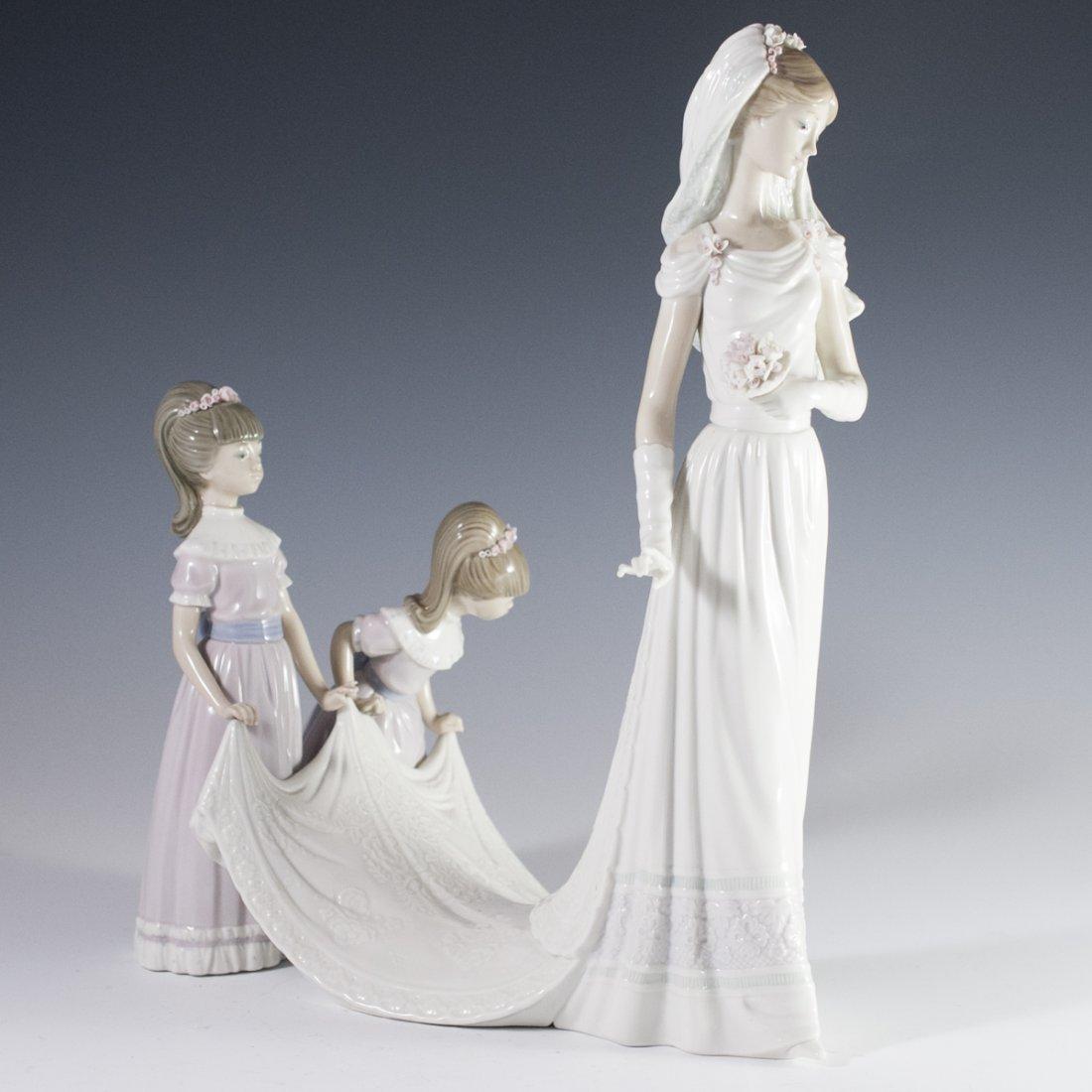 """Lladro """"Here Comes the Bride"""" Figurine"""