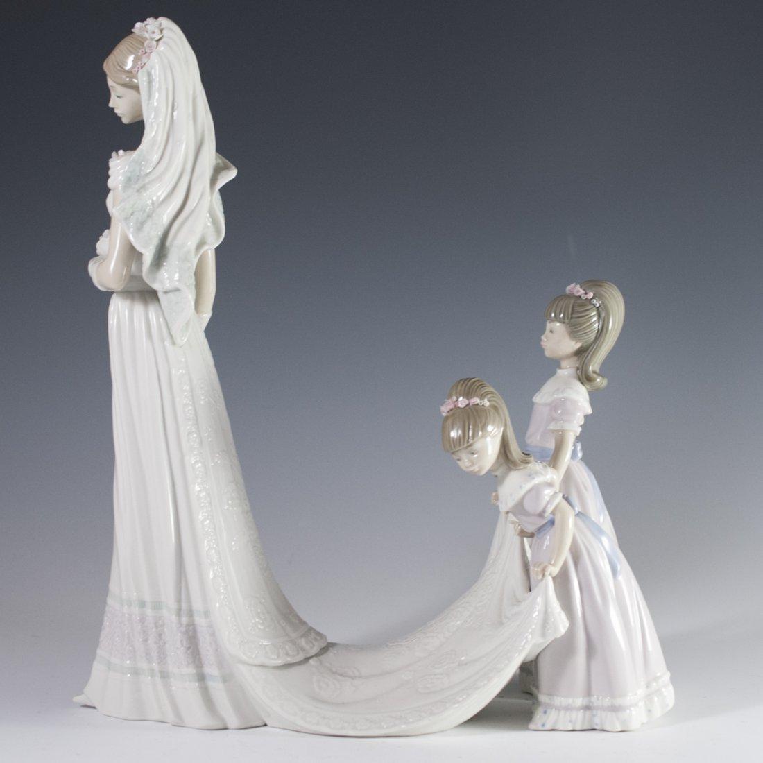 """Lladro """"Here Comes the Bride"""" Figurine - 5"""
