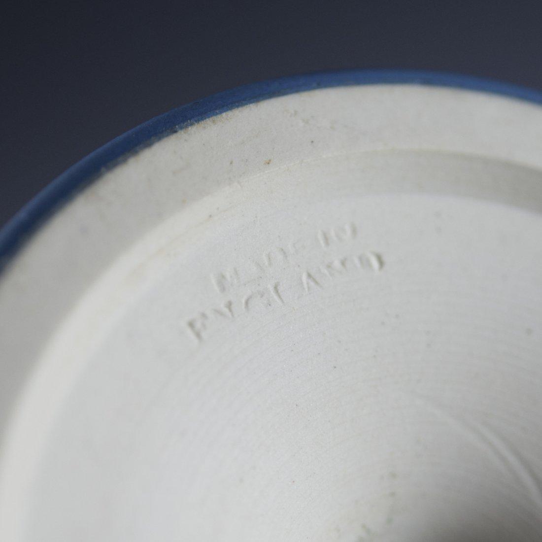 Vintage Wedgwood Jasperware Urn - 2