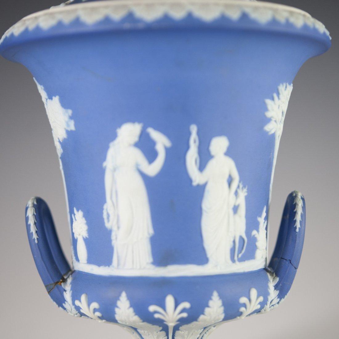 Vintage Wedgwood Jasperware Urn - 4