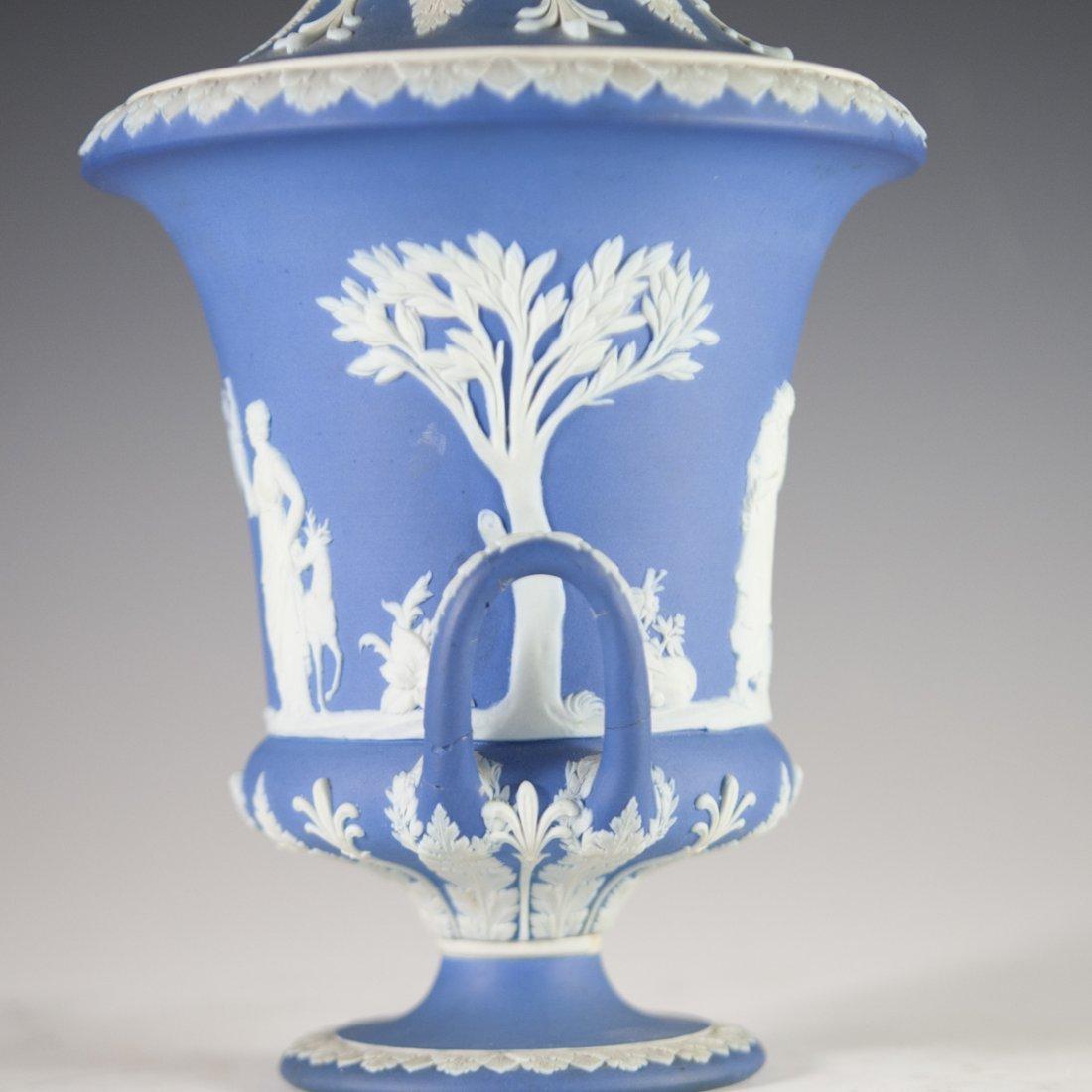Vintage Wedgwood Jasperware Urn - 5